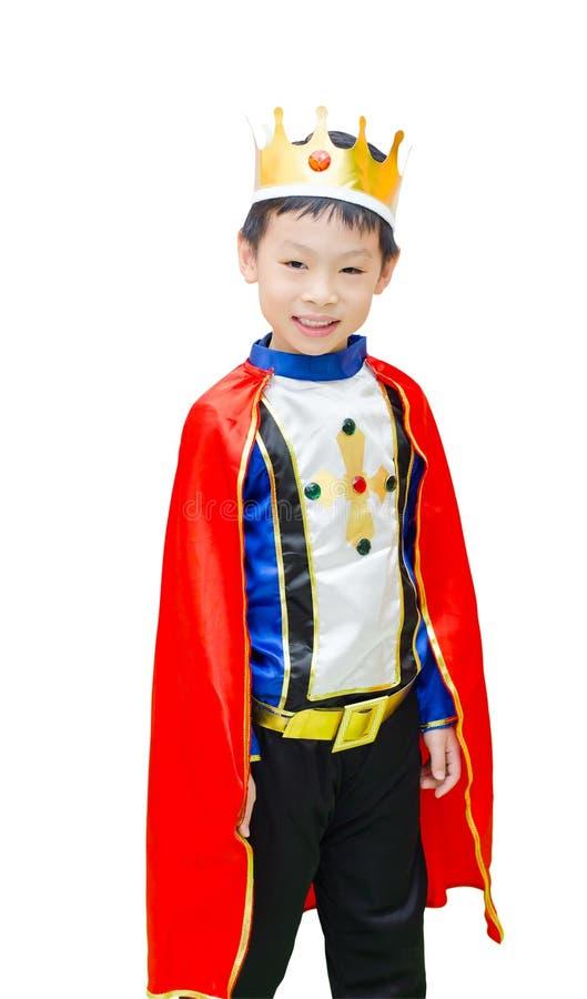 Le garçon est habillé dans le costume d'un prince images libres de droits