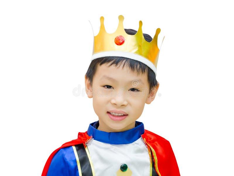 Le garçon est habillé dans le costume d'un prince photographie stock