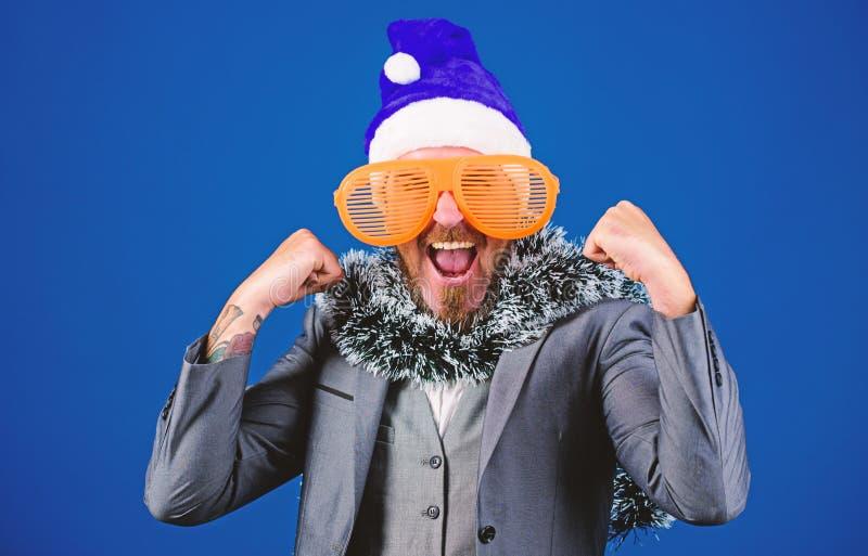 Le gestionnaire est prêt à célébrer le nouvel an Les idées de fêtes d'entreprise que les employés aimeront Bureau de la fête de N photo stock
