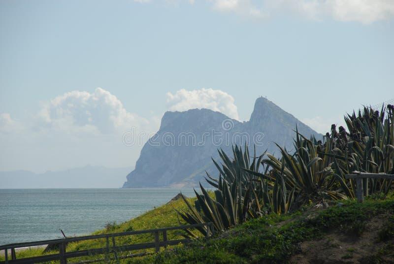 Le Gibraltar dans le brouillard photo stock
