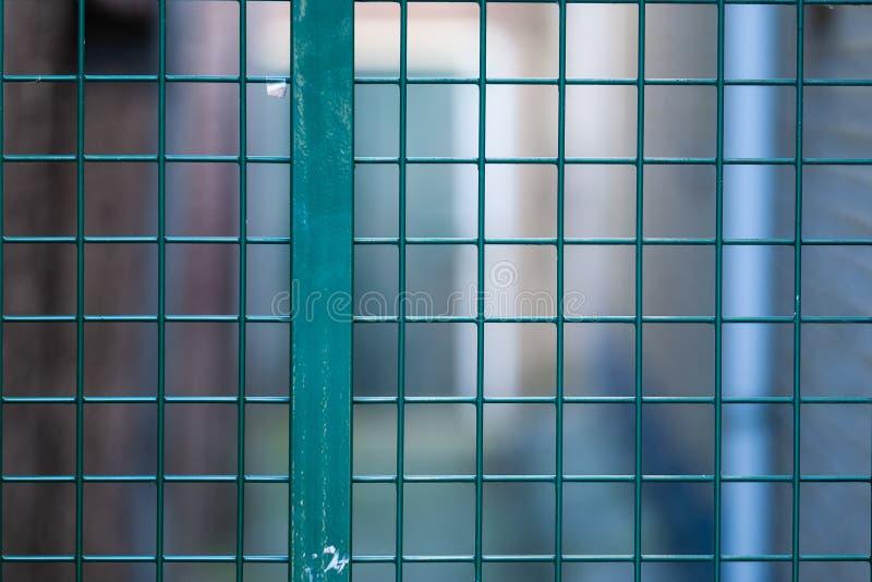 Le Gouda, la Hollande-Méridionale/Pays-Bas - 20 janvier 2019 : la fin a tiré d'une barrière et d'un courrier vert-foncé au centre images libres de droits