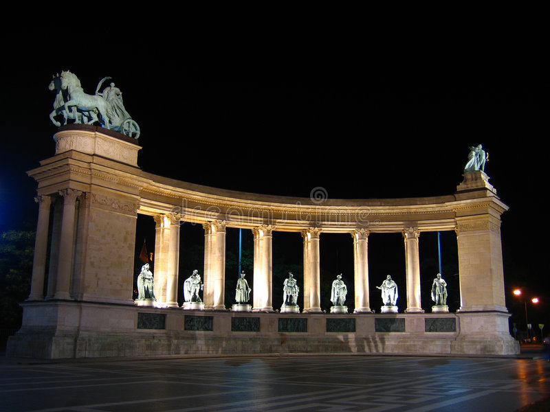 Le Grand Dos Des Héros - Budapest, Hongrie Photographie stock libre de droits