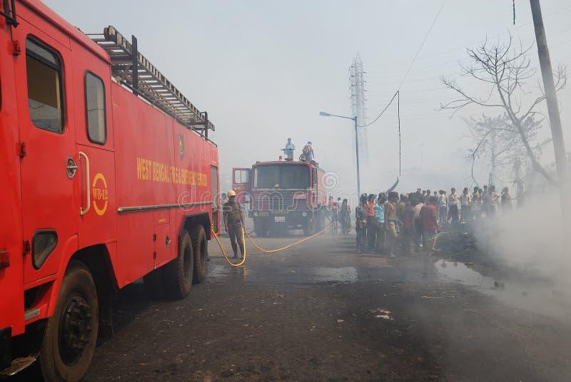 Le grand incendie éclate à taudis de Kolkata image libre de droits