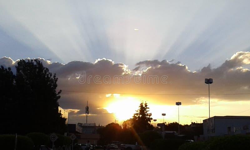 Le grand soleil images libres de droits