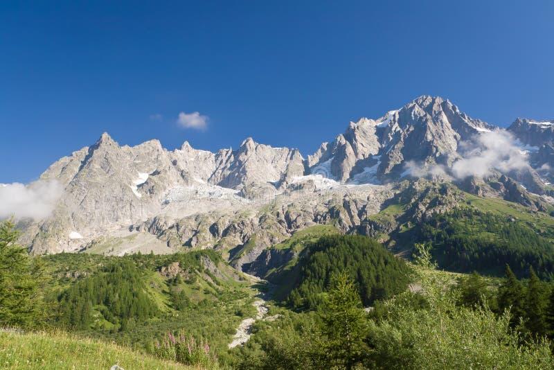 Le Grandes Jorasses - mont Blanc imágenes de archivo libres de regalías