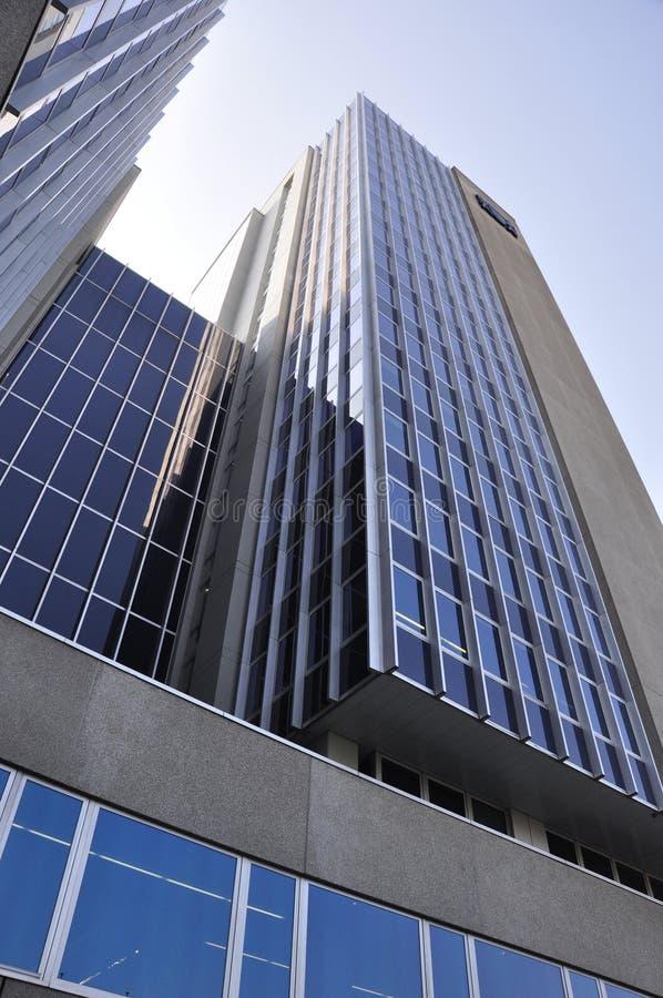 Le gratte-ciel de Werd dans des riches de ¼ de ZÃ avec l'Impôt-bureau et le département social photographie stock