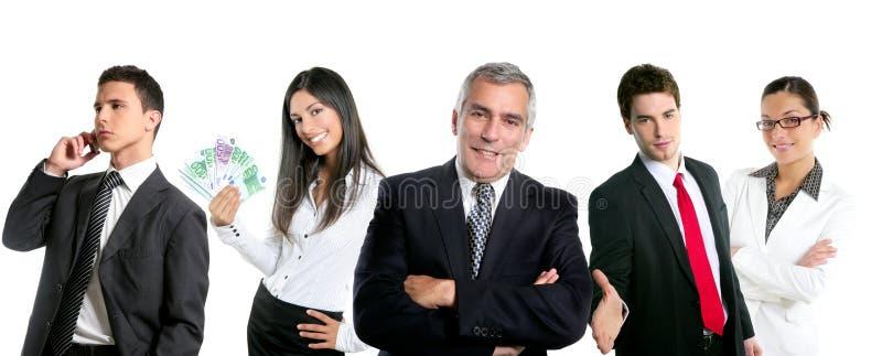 Le groupe de gens d'affaires dans une ligne ligne a isolé photographie stock