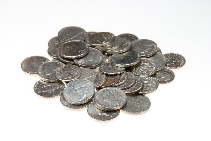 Le groupe de nickel et de dixième de dollar a isolé images stock