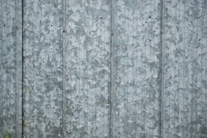 Le grunge en gros plan a galvanisé les panneaux en acier industriels avec la grande PA photographie stock libre de droits