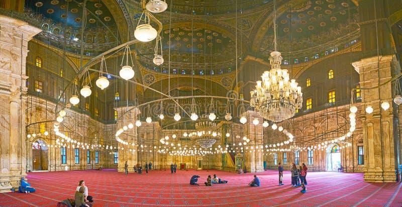 Le hall de prière de la mosquée d'albâtre dans la citadelle du Caire, Egypte photo stock