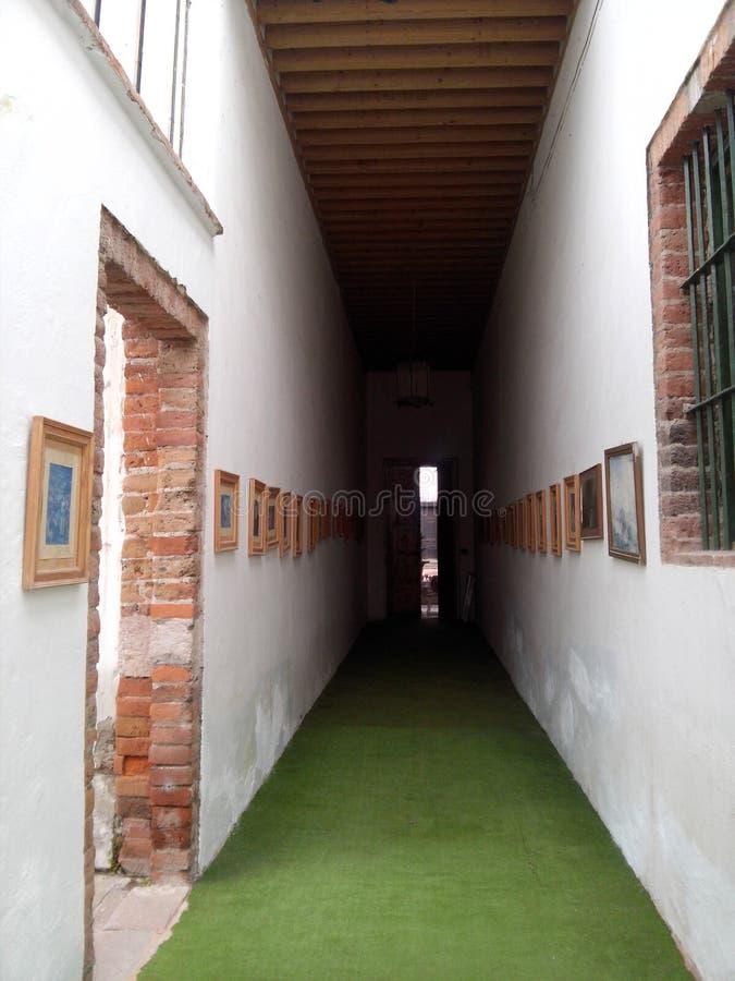 Le hall foncé photographie stock