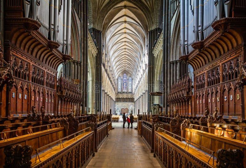Le hall principal de cathédrale de Salisbury pris du choeur cale à Salisbury, WILTSHIRE, R-U photographie stock libre de droits