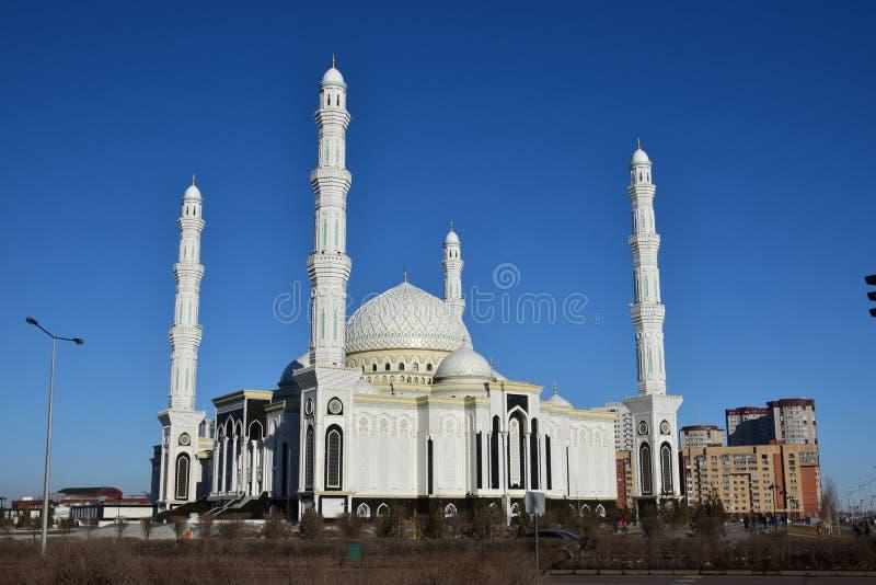 Le Haziret Sultan Mosque à Astana/Kazakhstan photographie stock libre de droits