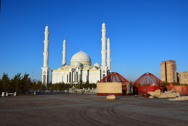 Le Haziret Sultan Mosque à Astana/Kazakhstan image stock