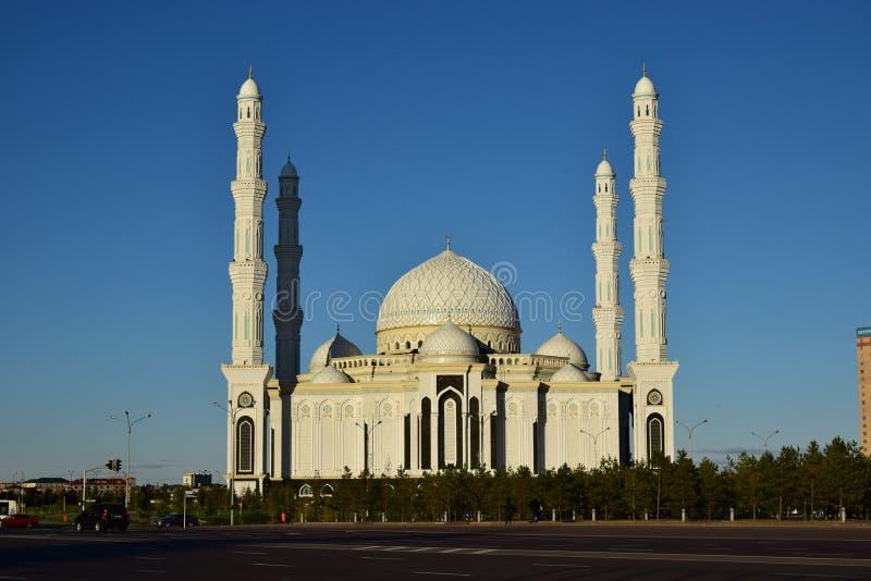 Le Haziret Sultan Mosque à Astana/Kazakhstan photos libres de droits