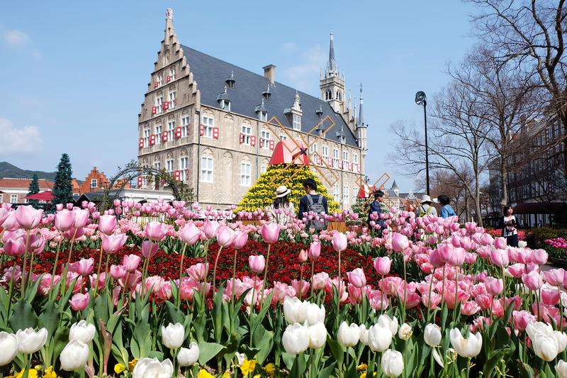 Le Huis ten Bosch est un parc à thème en préfecture de Nagasaki, Japon, qui recrée une ville néerlandaise photos stock