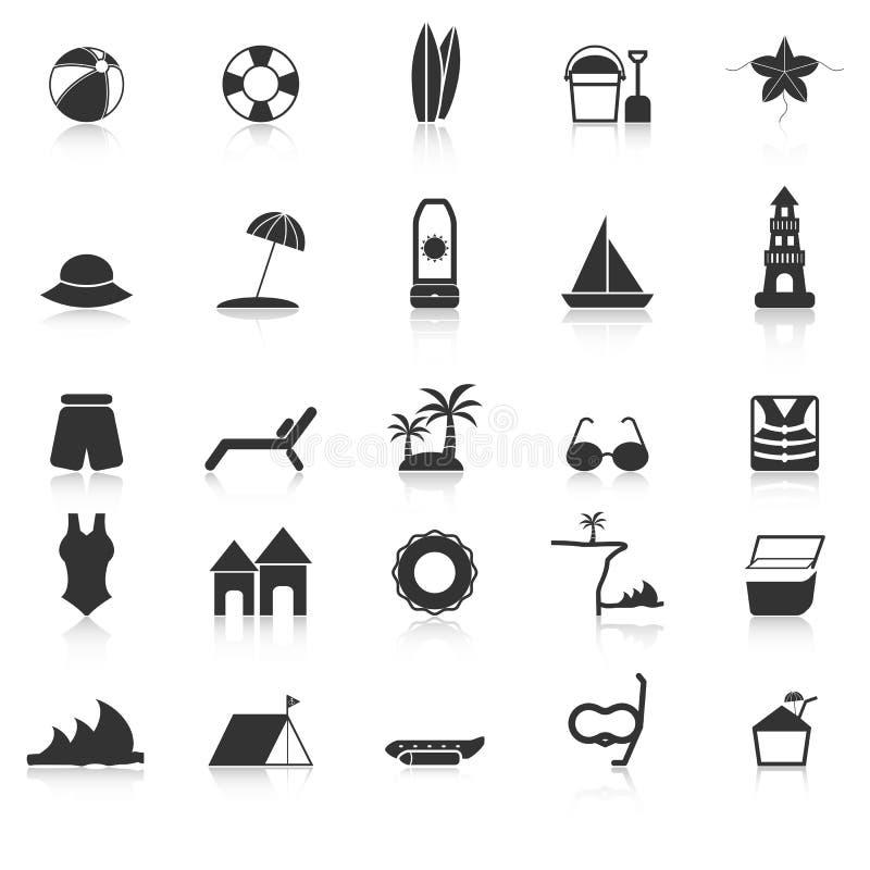 Le icone della spiaggia con riflettono su fondo bianco illustrazione vettoriale