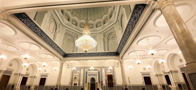 Le iscrizioni ed i santuari islamici a Sultan Qaboos Mosque in Bahala fotografie stock libere da diritti