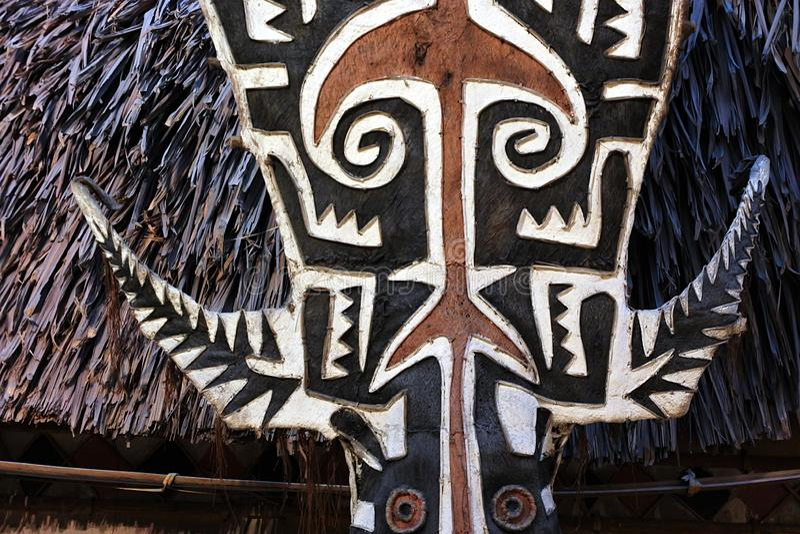 Le isole dello stretto di Torres ricoprono di paglia la capanna del tetto fotografie stock libere da diritti