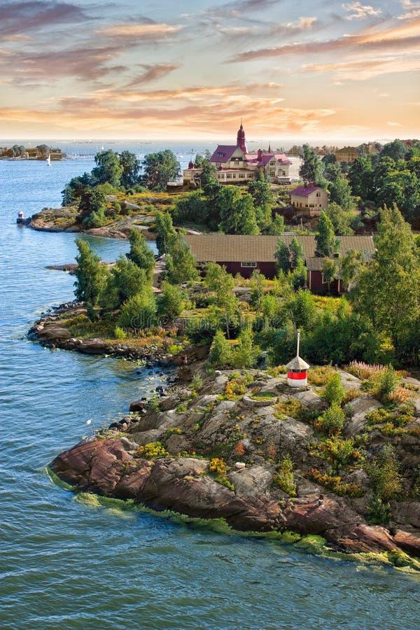 Le isole si avvicinano ad Helsinki in Finlandia immagini stock libere da diritti
