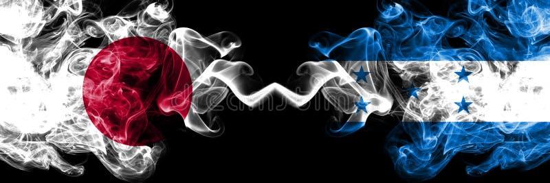 Le Japon contre le Honduras, drapeaux mystiques fumeux honduriens placés côte à côte Épais coloré soyeux fume la combinaison du H illustration de vecteur