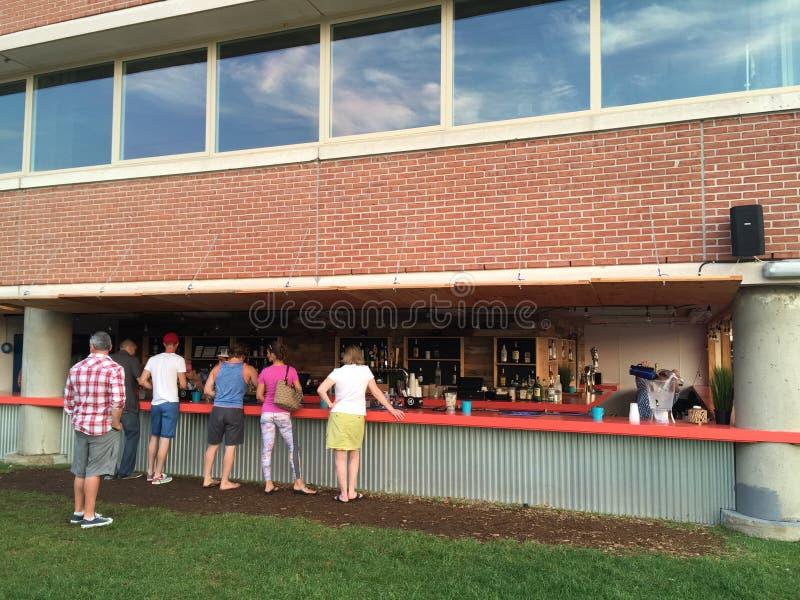 Le jardin de bière dans Stamford, le Connecticut images libres de droits