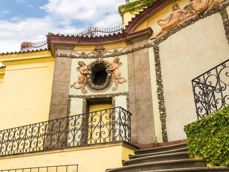 Le jardin de Vrtba ? Prague est l'un de plusieurs hauts jardins baroques fins en capitale tch?que image libre de droits