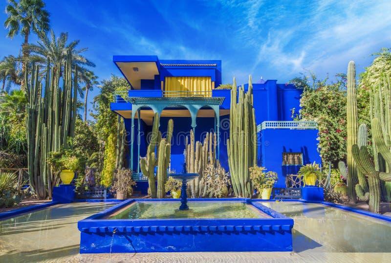 Le Jardin Majorelle, jardin tropical stupéfiant à Marrakech images stock