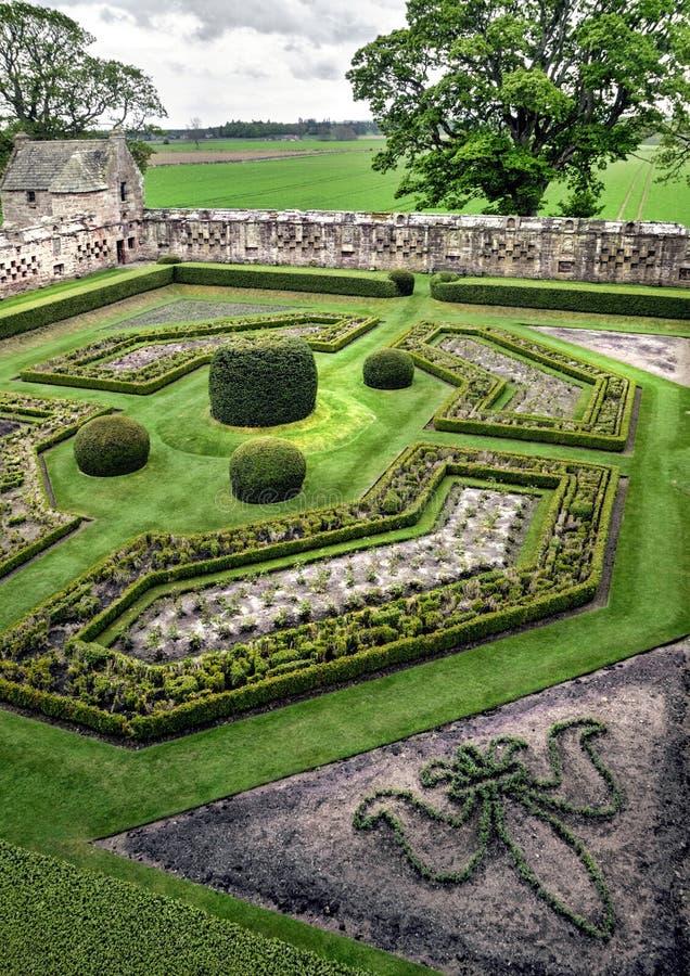 Le jardin muré au château d'Edzell photo libre de droits