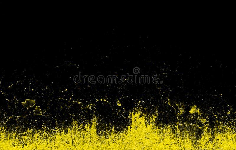 Le jaune dynamique éclabousse sur le fond noir photo libre de droits