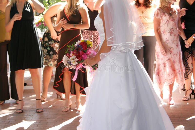 Le jet en l'air boquest de mariée images libres de droits