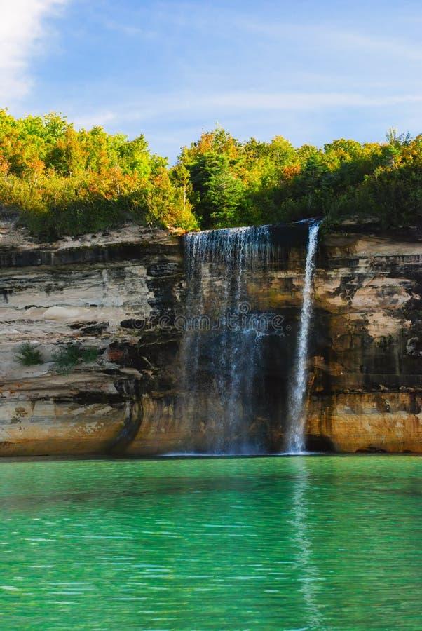 Le jet tombe sur le lac Supérieur, Michigan, Etats-Unis photo stock