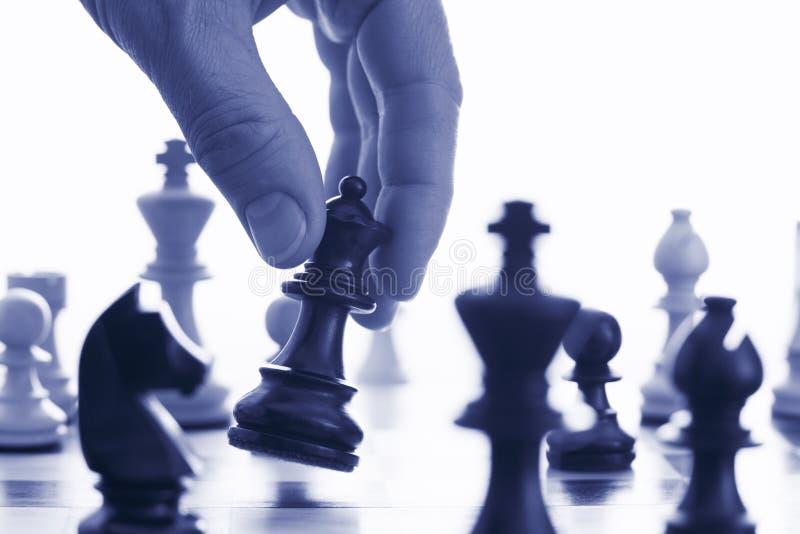 le jeu d'échecs entreprennent la démarche votre images libres de droits
