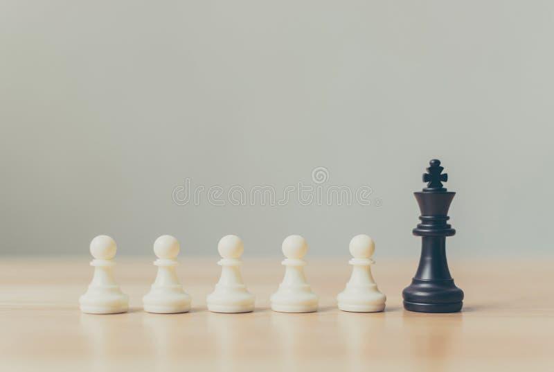 Le jeu de société différent d'échecs de gage, affaires de direction, uniques, pensent différent, individuel photos libres de droits