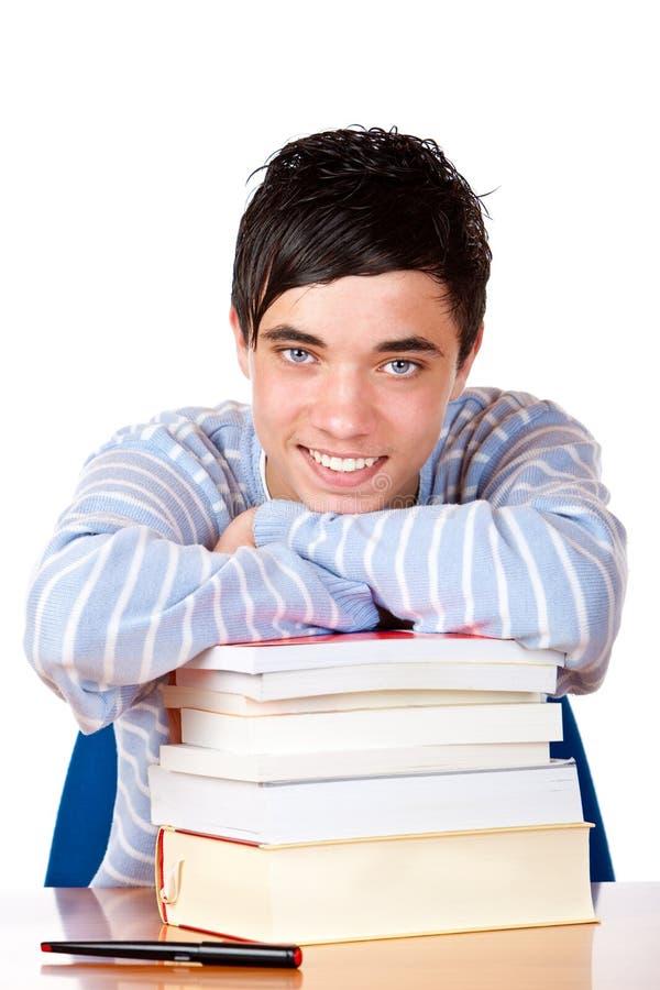 Le jeune étudiant mâle heureux sourit heureux images libres de droits