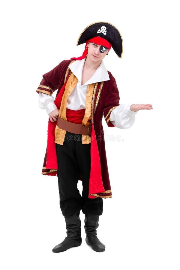 Le jeune danseur rectifié comme pirate a posé la position images stock