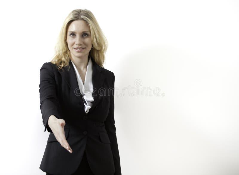 Le jeune femme d'affaires est prêt à effectuer une affaire photos libres de droits