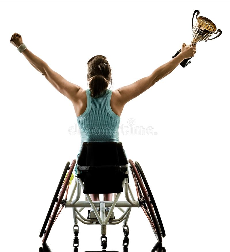 Le jeune sport handicapé de welchair de femme de joueur de tennis a isolé le SI image stock