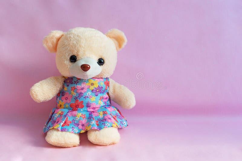 le jouet pour enfants concernent un fond rose images stock
