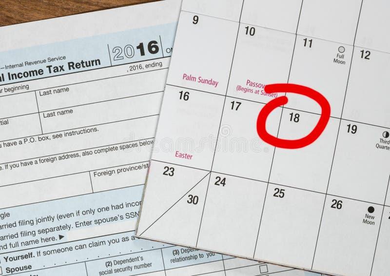 Le jour d'impôts pour 2016 retours est le 18 avril 2017 photo libre de droits