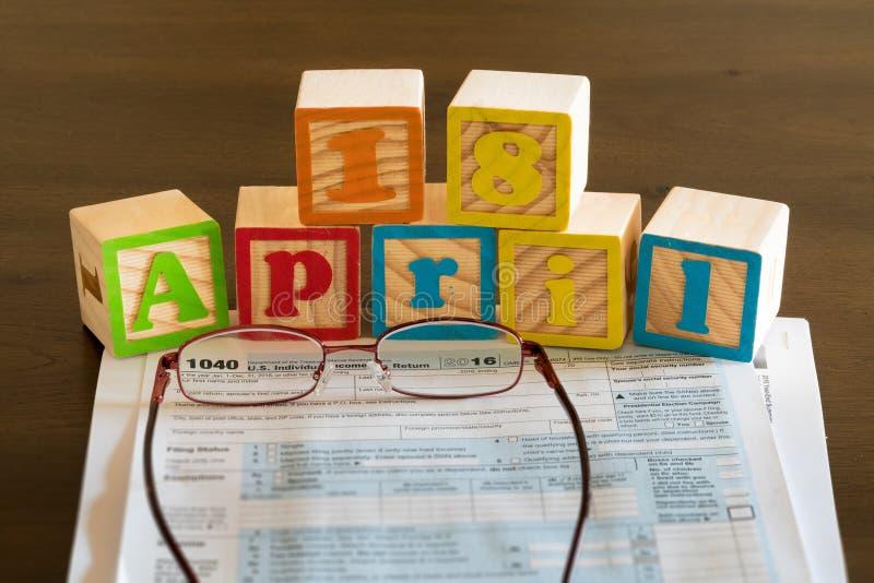 Le jour d'impôts pour 2016 retours est le 18 avril 2017 image libre de droits