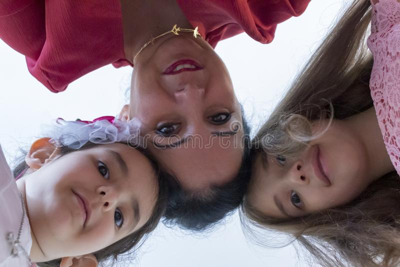 Le jour de m?re heureux avec des enfants images libres de droits
