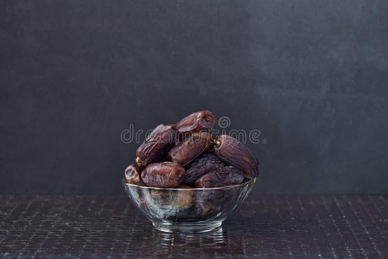 Le kareem de Ramadan sec des fruits de paume de datte images stock