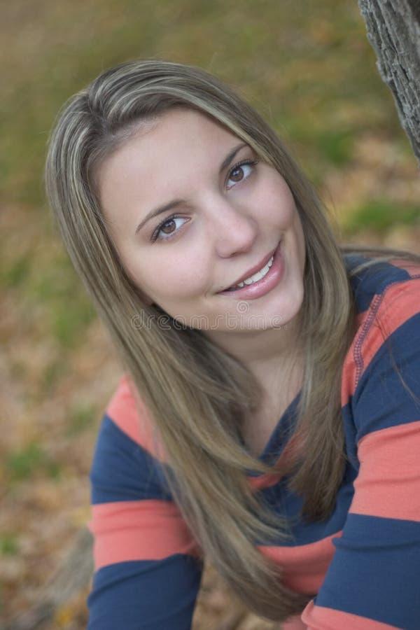 Download Le kvinna arkivfoto. Bild av tonåringar, folk, tonår, flicka - 44964