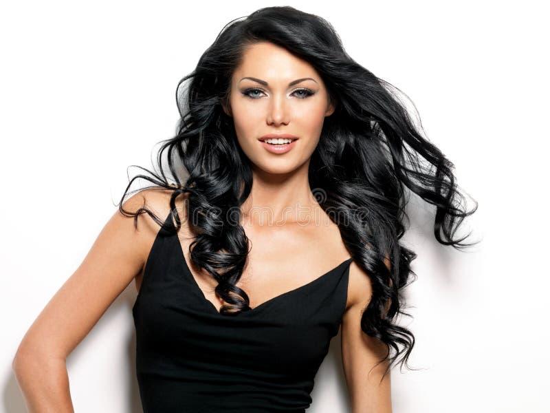 Le kvinna med långt hår för skönhet arkivbild