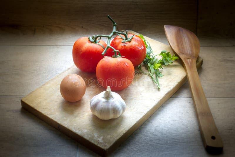 Le légume dans la cuisine a servi photo libre de droits