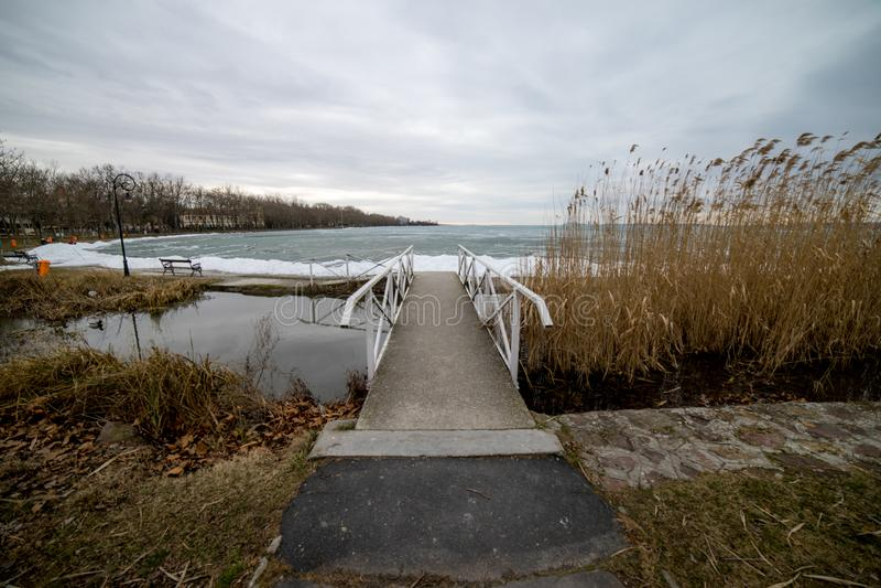 Le Lac Balaton congelé, hiver, Hongrie image stock