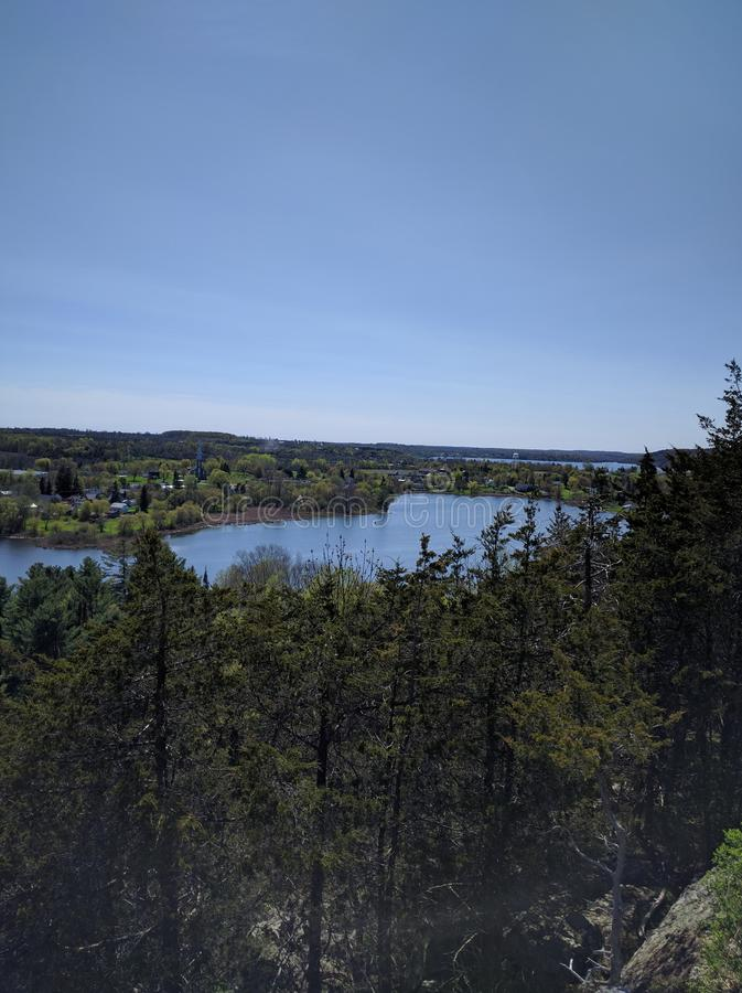 Le lac donnent sur photo libre de droits