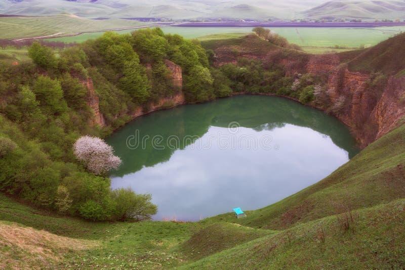 Le lac est origine de karst photo libre de droits