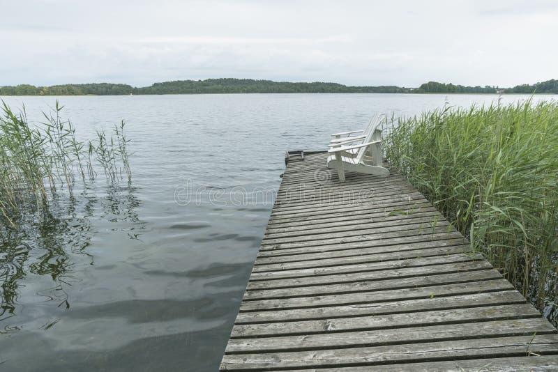 Le lac forest détendent photos libres de droits
